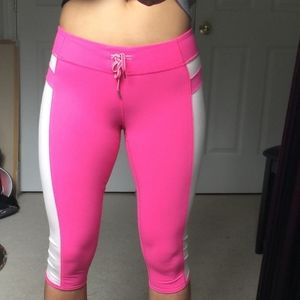 LULULEMON Heat it up crop in pink parfait size 6